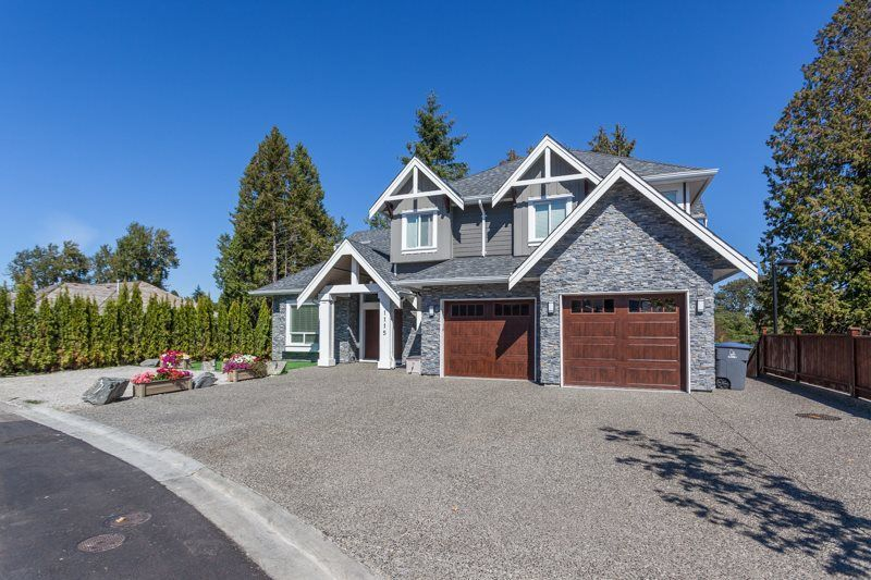 Main Photo: 1115 KING GEORGE Boulevard in Surrey: King George Corridor House for sale (South Surrey White Rock)  : MLS®# R2273896