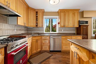 Photo 4: 4678 Reinhard Pl in : CV Courtenay East House for sale (Comox Valley)  : MLS®# 874594