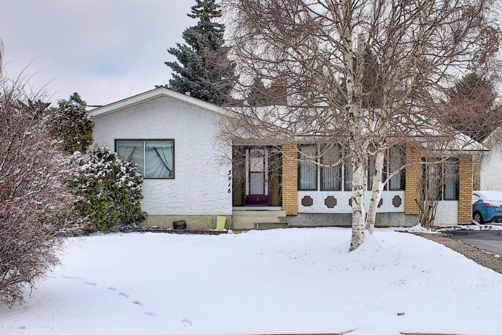 Main Photo: 5916 Dalcastle Drive NW in Calgary: Dalhousie Detached for sale : MLS®# A1085841