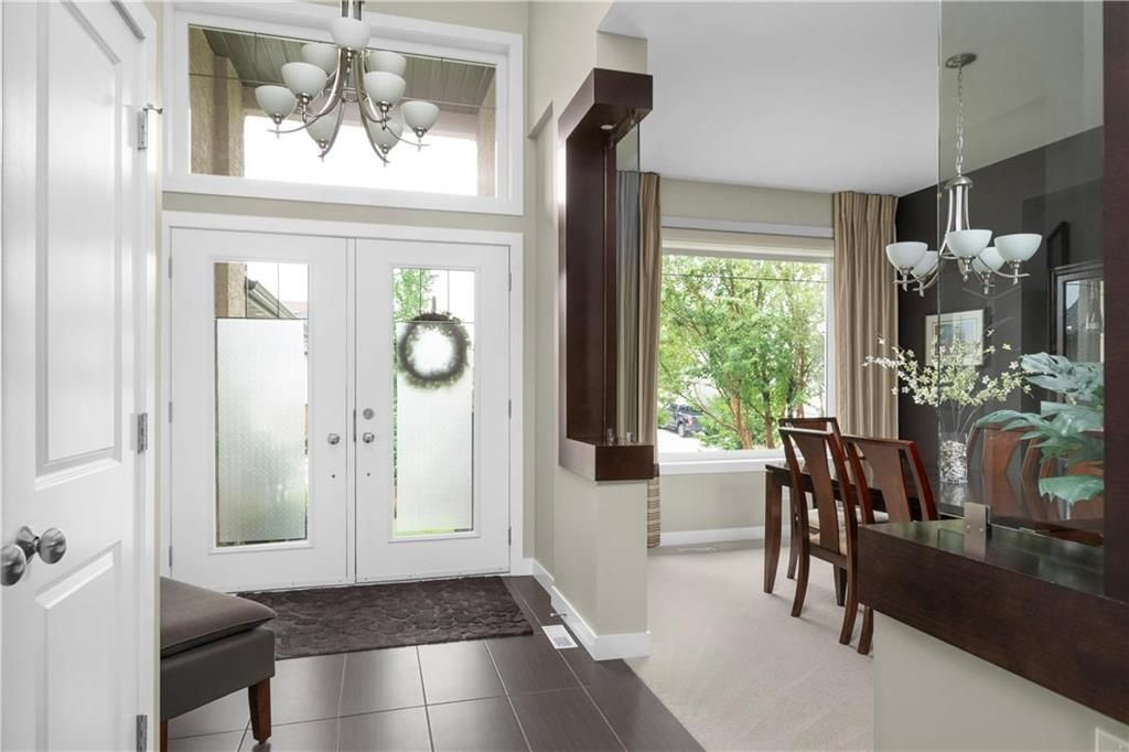 Photo 3: Photos: 22 Vestford Place in Winnipeg: South Pointe Residential for sale (1R)  : MLS®# 202116964