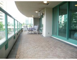 """Photo 9: 201 5899 WILSON Avenue in Burnaby: Central Park BS Condo for sale in """"PARAMOUNT TOWER TWO"""" (Burnaby South)  : MLS®# V785753"""