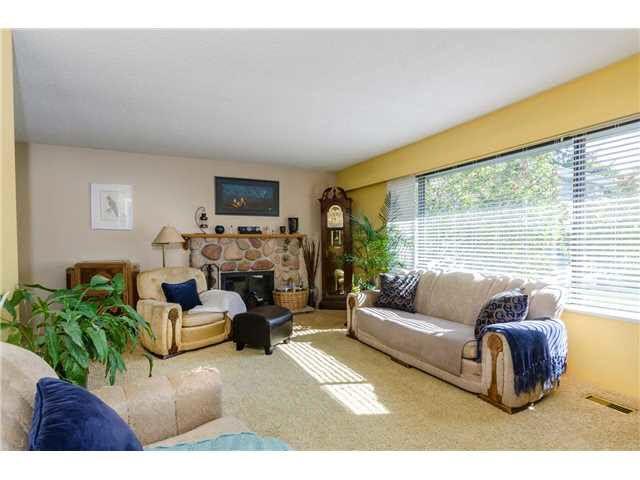 Photo 2: Photos: 5241 BELAIR Crescent in Tsawwassen: Cliff Drive House for sale : MLS®# V1140250