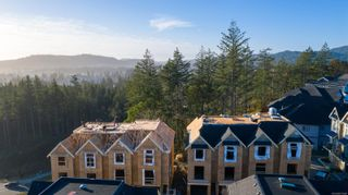 Photo 1: 1142 Moonstone Loop in : La Bear Mountain Row/Townhouse for sale (Langford)  : MLS®# 872040