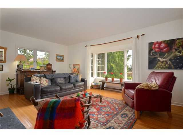 Photo 1: Photos: Mathers Avenue in West Vancouver: Dundarave House for rent