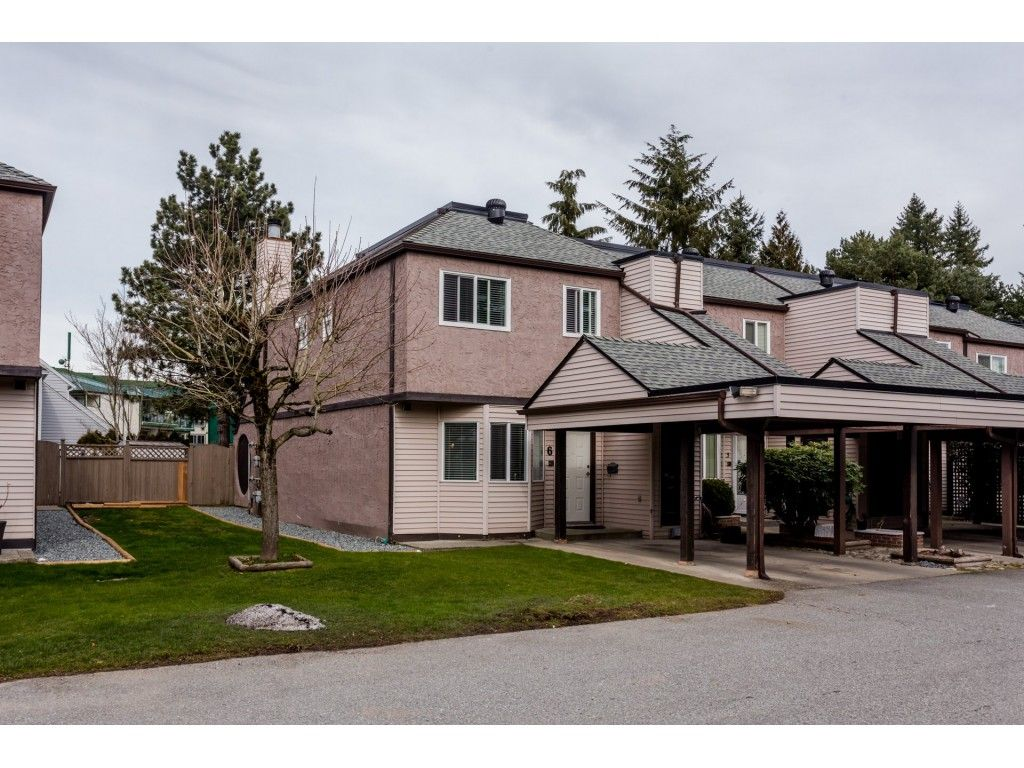 """Main Photo: 6 7551 140 Street in Surrey: East Newton Townhouse for sale in """"Glenview Estates"""" : MLS®# R2244371"""