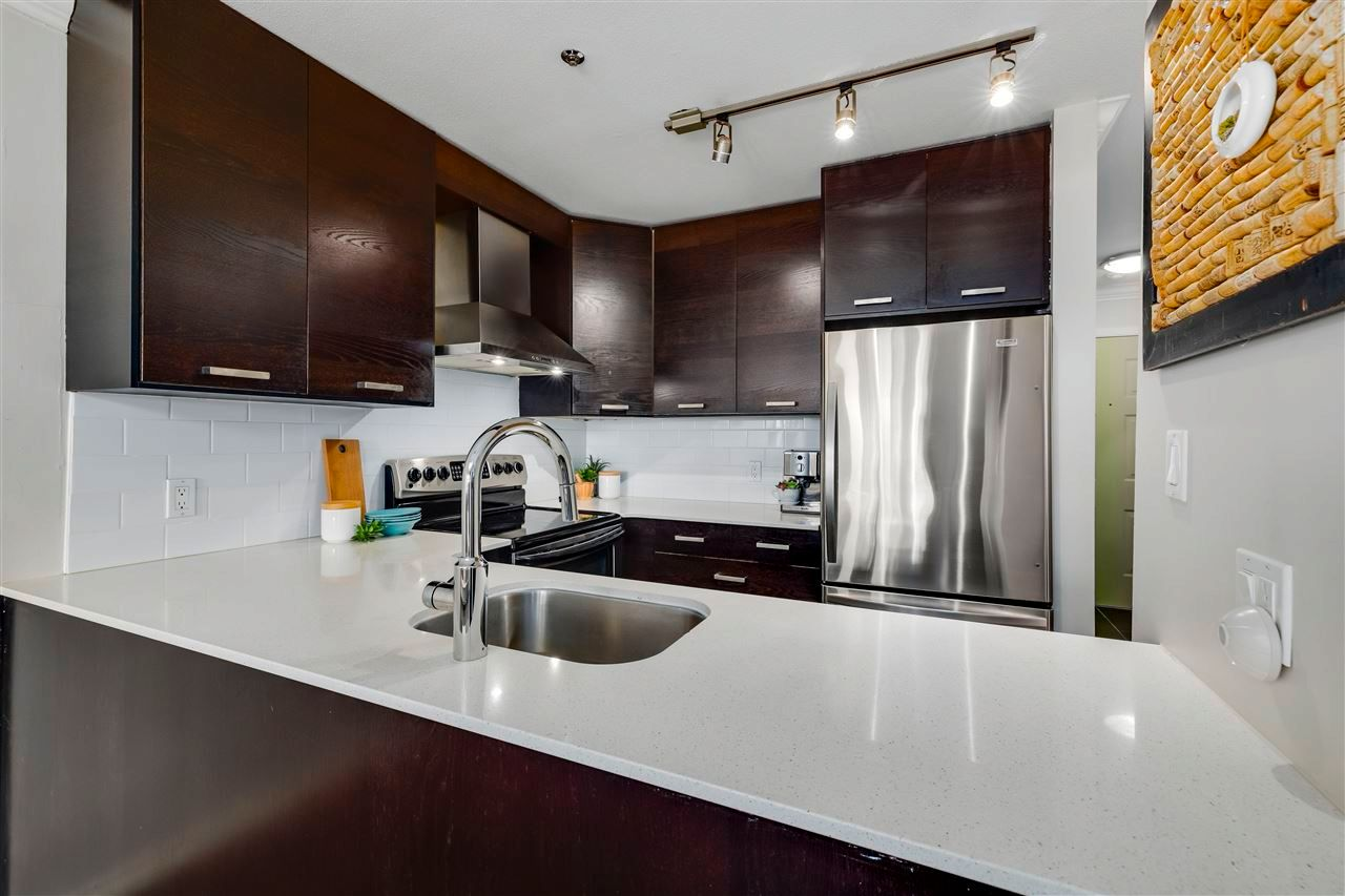 "Main Photo: 104 863 W 16TH Avenue in Vancouver: Fairview VW Condo for sale in ""BERKERLY COURT"" (Vancouver West)  : MLS®# R2568047"