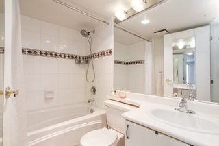 """Photo 8: 1210 939 HOMER Street in Vancouver: Yaletown Condo for sale in """"THE PINNACLE"""" (Vancouver West)  : MLS®# R2461082"""