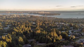 Photo 25: 1376 BURNSIDE Road in West Vancouver: Chartwell House for sale : MLS®# R2620054