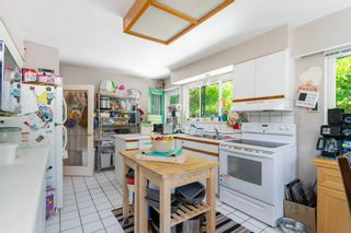 """Photo 5: 6825 HYCROFT Road in West Vancouver: Whytecliff House for sale in """"Whytecliff"""" : MLS®# R2604237"""