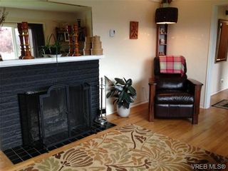 Photo 4: 542 Joffre St in VICTORIA: Es Saxe Point House for sale (Esquimalt)  : MLS®# 669680