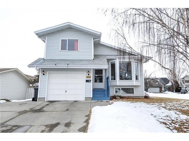Main Photo: 236 CEDARGROVE Court SW in Calgary: Cedarbrae House for sale : MLS®# C4104761