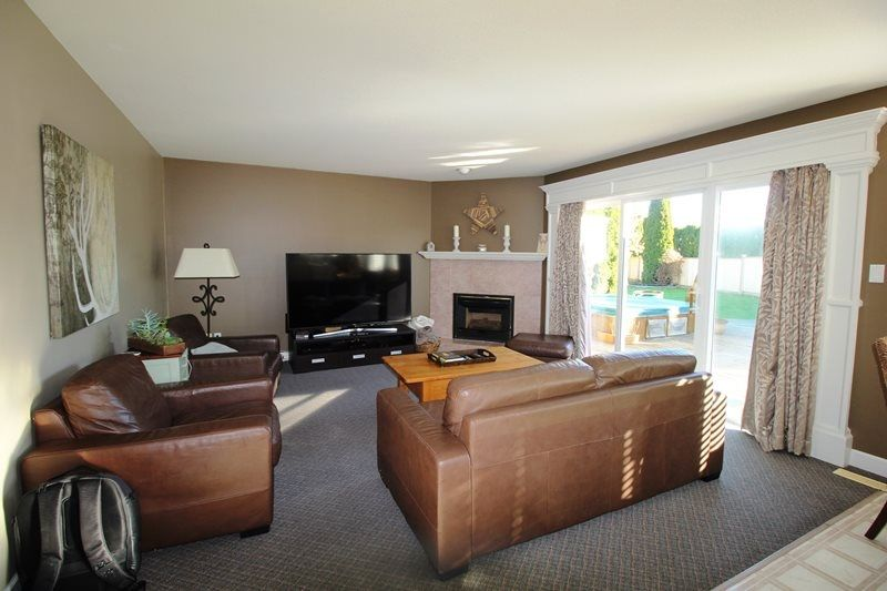Photo 7: Photos: 22266 47 AVENUE in Langley: Murrayville House for sale : MLS®# R2323768