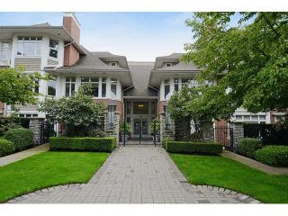 """Photo 1: 213 3188 W 41ST Avenue in Vancouver: Kerrisdale Condo for sale in """"THE LANESBOROUGH"""" (Vancouver West)  : MLS®# V1104364"""