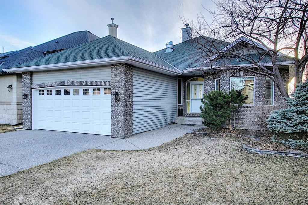 Main Photo: 126 Simcoe Crescent SW in Calgary: Signal Hill Detached for sale : MLS®# A1087425