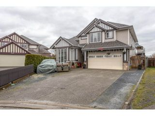 Photo 1: 6245 175B Street in Cloverdale: Cloverdale BC House for sale : MLS®# R2525442