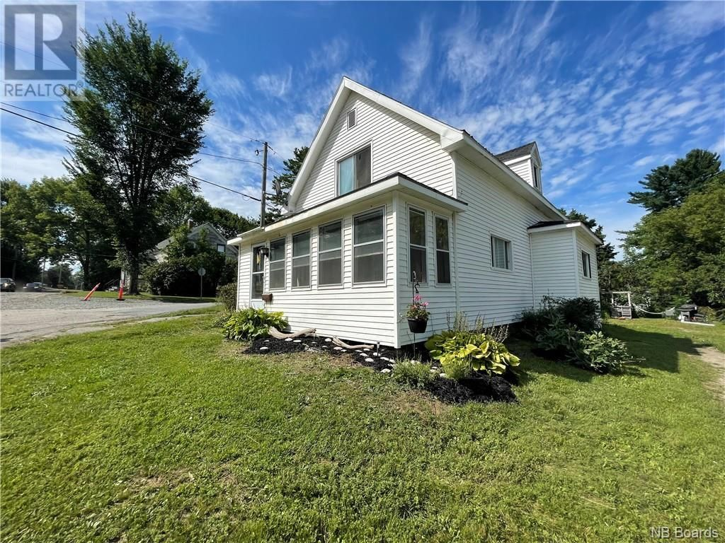 Main Photo: 151 Union Street in St. Stephen: House for sale : MLS®# NB062326