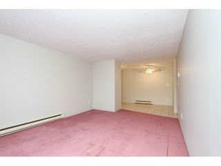 """Photo 7: 12 7549 HUMPHRIES Court in Burnaby: Edmonds BE Townhouse for sale in """"SOUTHWOOD COURT"""" (Burnaby East)  : MLS®# V1108085"""