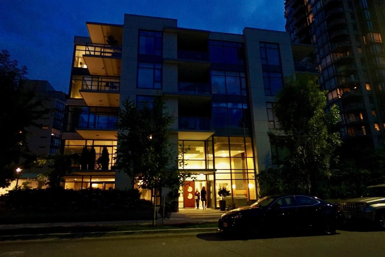 Main Photo: 502 135 W 2ND Street in North Vancouver: Lower Lonsdale Condo for sale : MLS®# R2180749