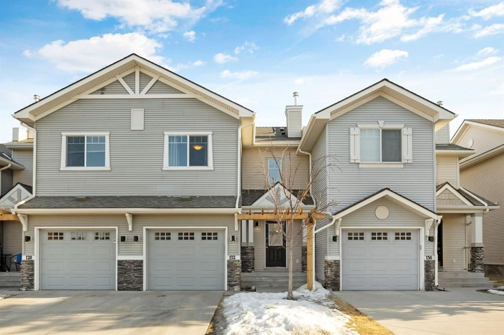 Main Photo: 132 371 Marina Drive: Chestermere Row/Townhouse for sale : MLS®# A1078226