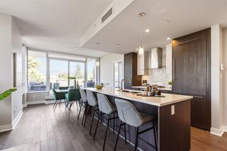 """Photo 10: W305 677 W 41ST Avenue in Vancouver: Oakridge VW Condo for sale in """"41 West"""" (Vancouver West)  : MLS®# R2605718"""