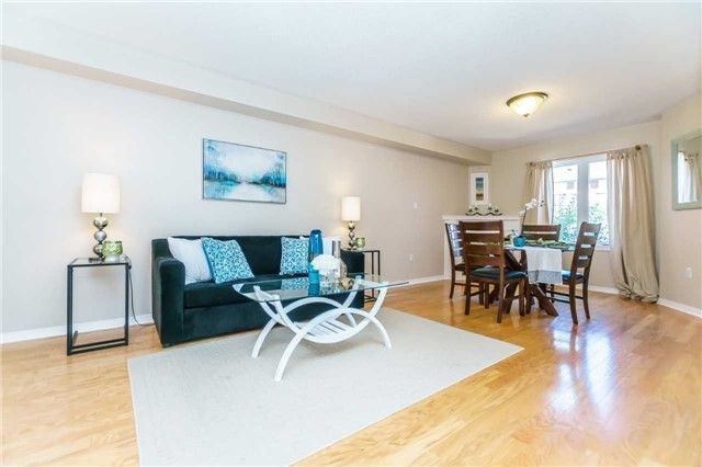 Photo 4: Photos: 40 Wells Crescent in Whitby: Brooklin House (2-Storey) for sale : MLS®# E4187338