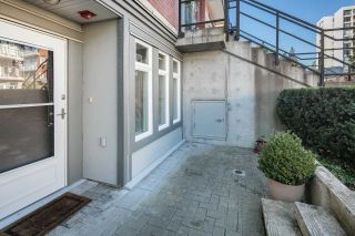 """Photo 3: 102 5632 KINGS Road in Vancouver: University VW Townhouse for sale in """"POLLOCK"""" (Vancouver West)  : MLS®# R2109342"""