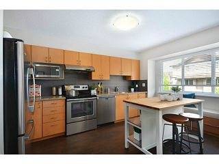 """Photo 4: 6 1268 RIVERSIDE Drive in Port Coquitlam: Riverwood Townhouse for sale in """"SOMERSTON LANE"""" : MLS®# V1012744"""
