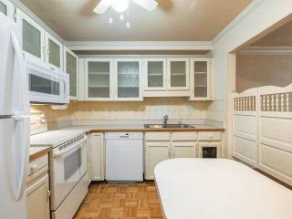 "Photo 5: 105 1521 BLACKWOOD Street: White Rock Condo for sale in ""SANDRINGHAM"" (South Surrey White Rock)  : MLS®# R2583925"