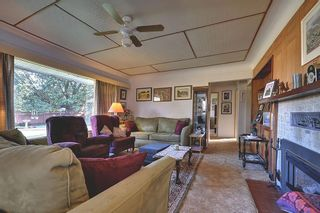 Photo 2: 713 Kelly Rd in Victoria: Residential for sale : MLS®# 279959