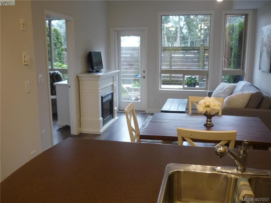 Photo 14: Photos: 103 825 Goldstream Ave in VICTORIA: La Langford Proper Condo for sale (Langford)  : MLS®# 808915