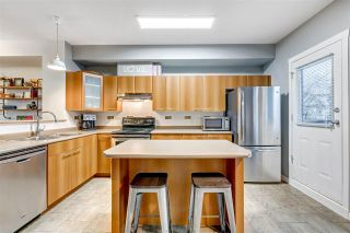 """Photo 10: 5 2000 PANORAMA Drive in Port Moody: Heritage Woods PM Townhouse for sale in """"MOUNTAINS EDGE"""" : MLS®# R2540812"""