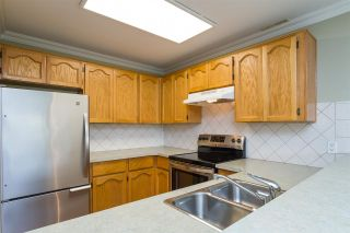 Photo 6: 105 13965 16 Avenue in Surrey: Sunnyside Park Surrey Condo for sale (South Surrey White Rock)  : MLS®# R2312080