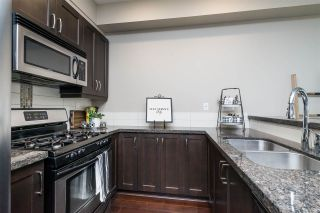 """Photo 8: 41 15454 32 Avenue in Surrey: Grandview Surrey Townhouse for sale in """"Nuvo"""" (South Surrey White Rock)  : MLS®# R2540760"""