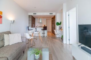"""Photo 5: 1411 7303 NOBLE Lane in Vancouver: Edmonds BE Condo for sale in """"KINGS CROSSING"""" (Burnaby East)  : MLS®# R2477569"""