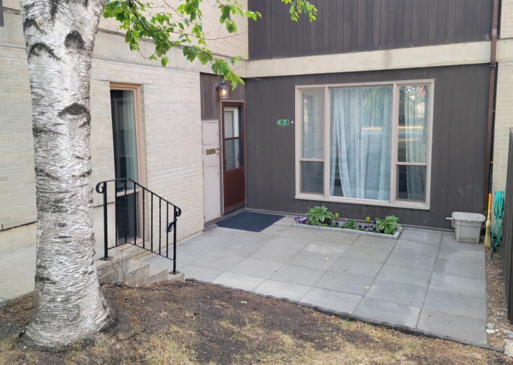 Main Photo: 3 1 Snow Street in Winnipeg: University Heights Condominium for sale (1K)  : MLS®# 202115508