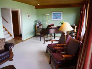 Photo 8: 110 WADDINGTON DRIVE in Kamloops: Sahali Residential Detached for sale : MLS®# 110059