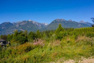 """Photo 1: 2013 GLACIER HEIGHTS Place in Squamish: Garibaldi Highlands Land for sale in """"Garibaldi Highlands"""" : MLS®# R2557068"""