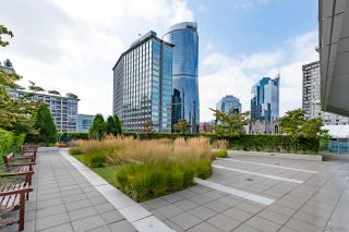 "Photo 25: 2405 1028 BARCLAY Street in Vancouver: West End VW Condo for sale in ""PATINA"" (Vancouver West)  : MLS®# R2555762"