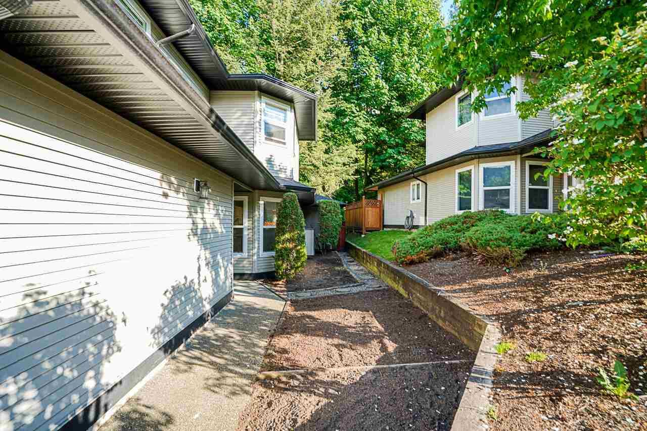 """Photo 3: Photos: 48 36060 OLD YALE Road in Abbotsford: Abbotsford East Townhouse for sale in """"Mountain View Village"""" : MLS®# R2586333"""