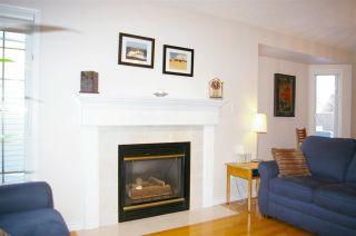 Photo 6: 10 9731 174 Street in Edmonton: Zone 20 House Half Duplex for sale : MLS®# E4236786