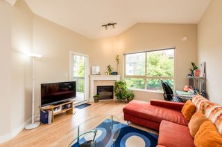 """Photo 5: 308 3895 SANDELL Street in Burnaby: Central Park BS Condo for sale in """"Clarke House Central Park"""" (Burnaby South)  : MLS®# R2287326"""