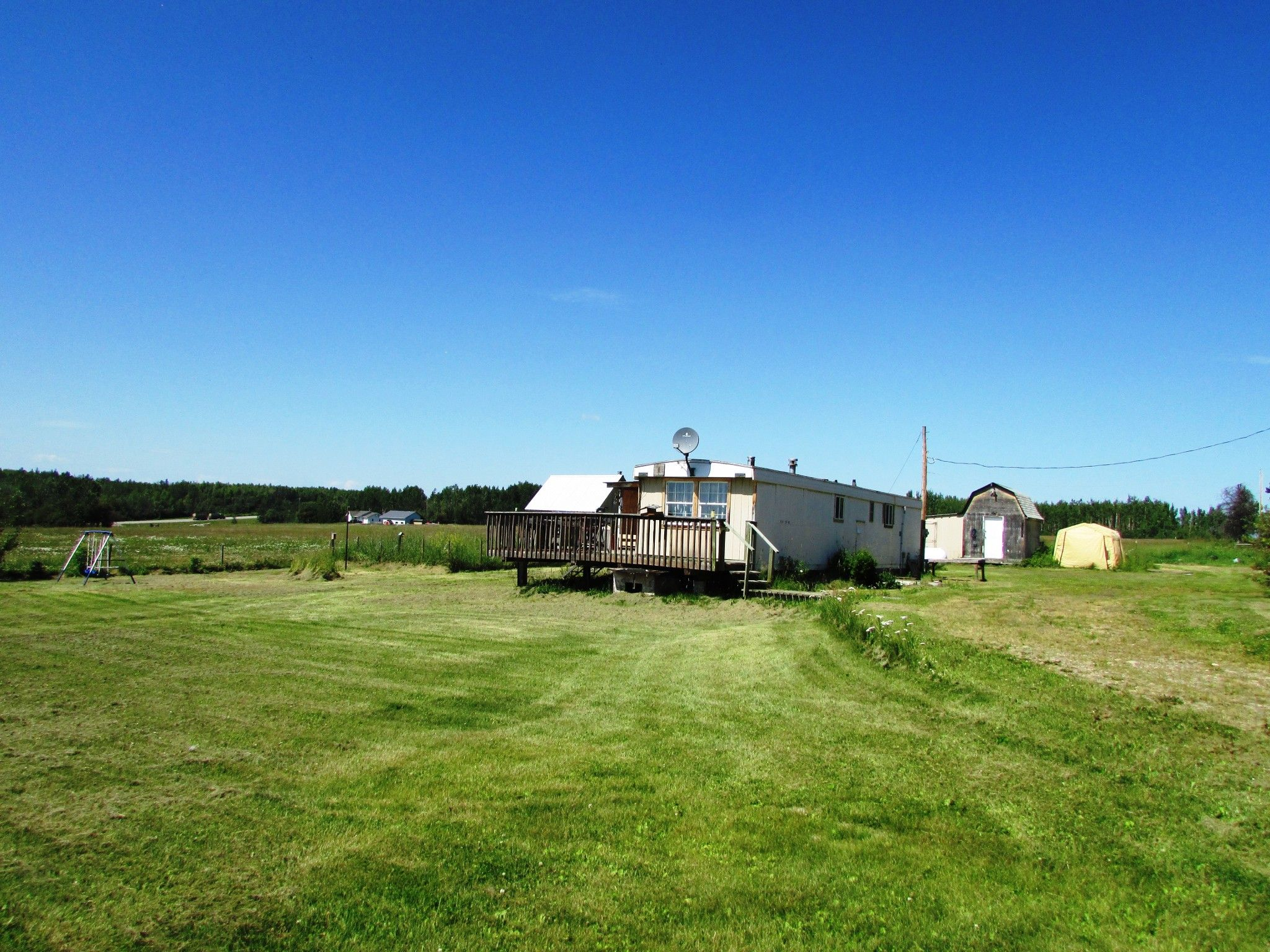 Main Photo: 3941 247 Road in Kiskatinaw: BCNREB Out of Area Manufactured Home for sale (Fort St. John (Zone 60))  : MLS®# R2327027