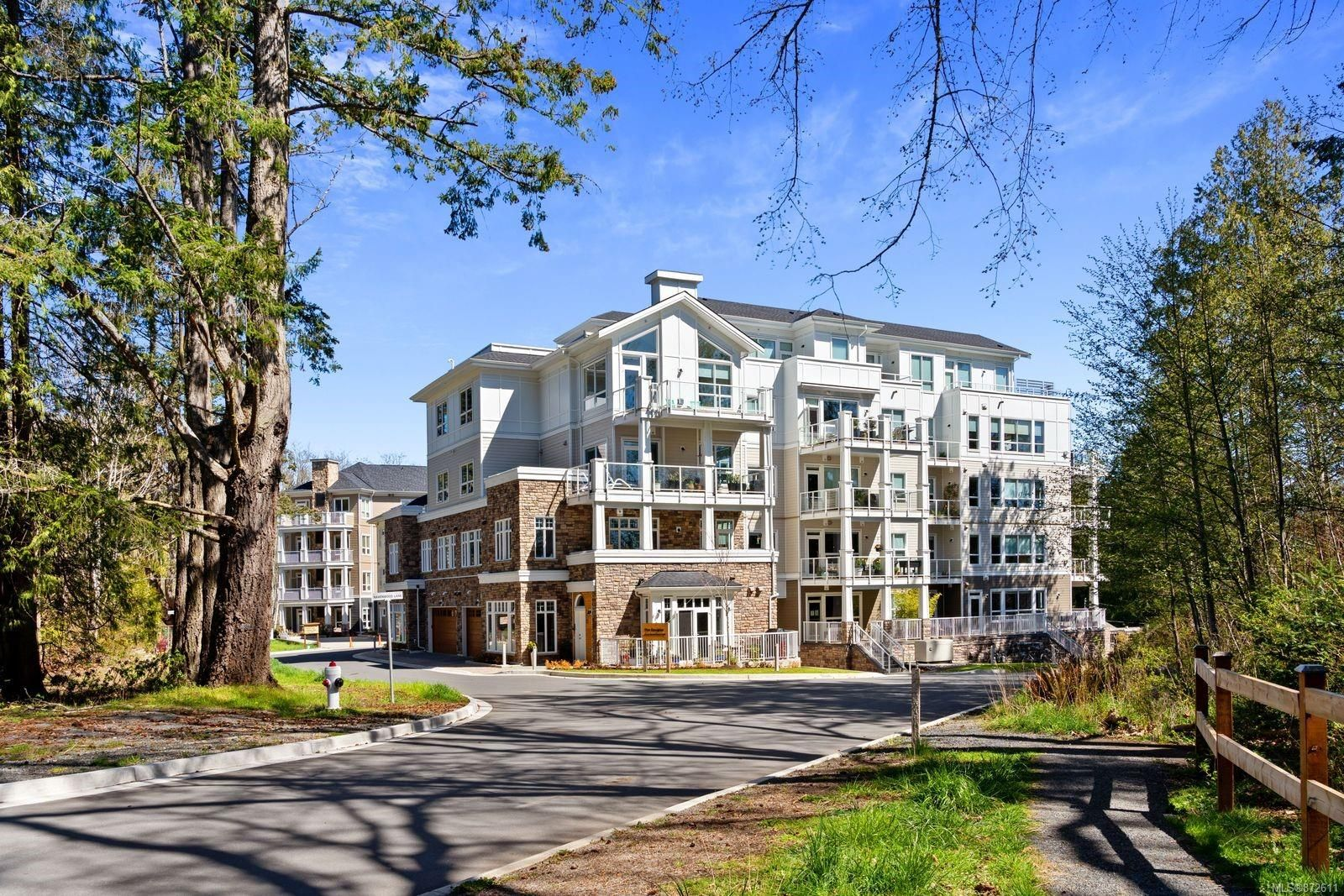 Main Photo: 303 3111C Havenwood Lane in : Co Lagoon Condo for sale (Colwood)  : MLS®# 872611