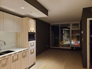 Photo 7: 1506 4638 GLADSTONE Street in Vancouver: Victoria VE Condo for sale (Vancouver East)  : MLS®# R2526351