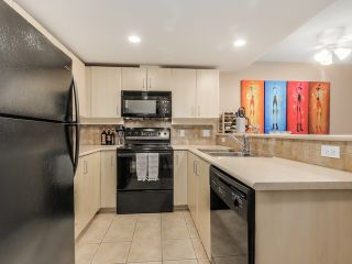 Photo 6: 106 2226 WEST 12TH AVENUE in Deseo: Home for sale