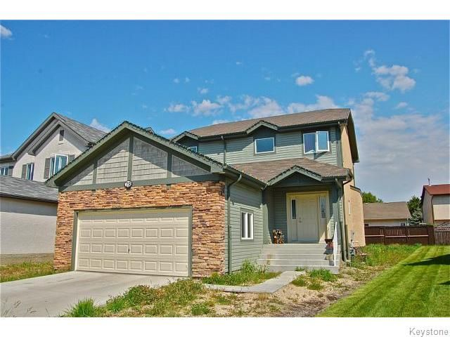 Main Photo: 79 Golis Bay in Winnipeg: Single Family Detached for sale (Harbour View South)  : MLS®# 1217188