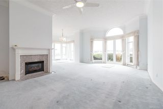 Photo 10: 113 10 Paul Kane Pl in Victoria: VW Songhees Condo for sale (Victoria West)  : MLS®# 836674