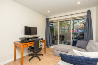 """Photo 4: 104 4363 HALIFAX Street in Burnaby: Brentwood Park Condo for sale in """"Brent Gardens"""" (Burnaby North)  : MLS®# R2527530"""