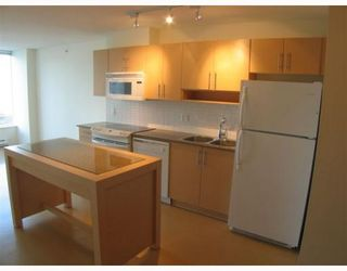 """Photo 4: 1506 550 TAYLOR Street in Vancouver: Downtown VW Condo for sale in """"THE TAYLOR"""" (Vancouver West)  : MLS®# V782558"""