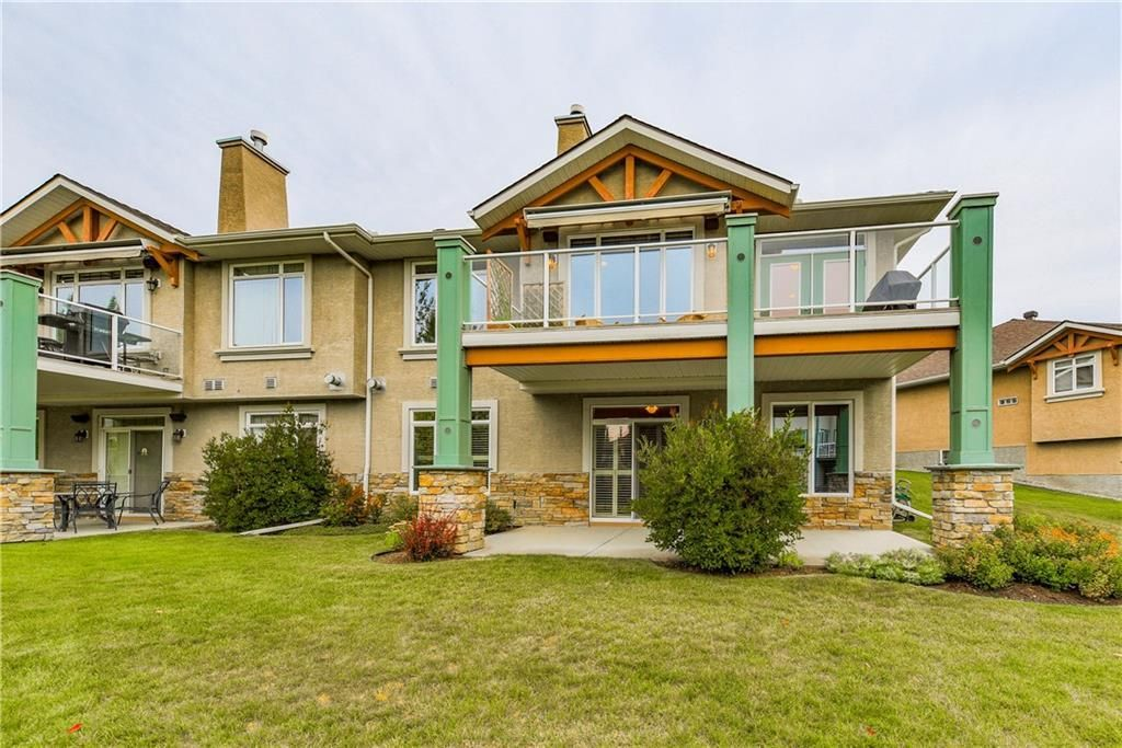 Photo 4: Photos: 73 DISCOVERY WOODS Villa SW in Calgary: Discovery Ridge Semi Detached for sale : MLS®# C4218779